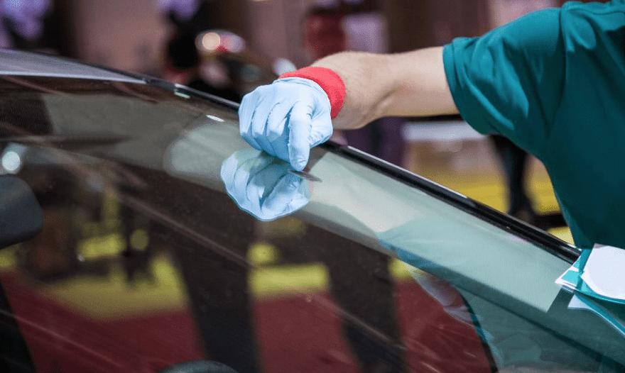 5 Long Lasting Car Windshield Maintenance Tips