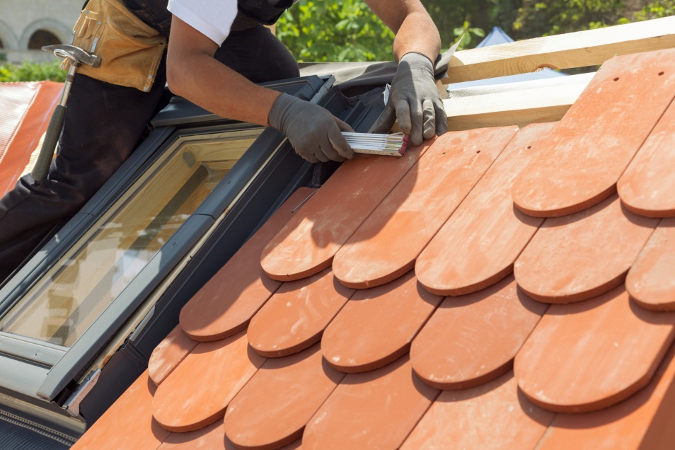 Guide for Picking the Ideal Roof Contractor