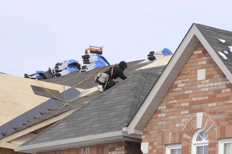 Tips to Help Homeowners Choose the Right Roofing Contractor